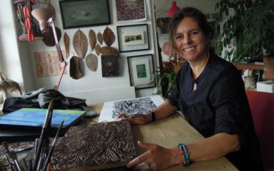 Una ecuatoriana diseñó el arte de la 19° entrega de los premios Grammy Latino